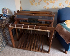 Example of a standing floor loom.
