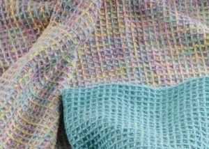 Weave a 4-shaft baby blanket with this free weaving pattern.