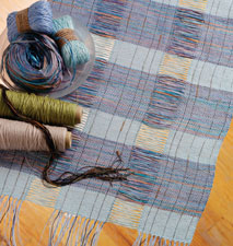 Learn how to make woven table runners the simple way in this free ebook.
